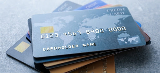 How to choose the right credit card which fits your lifestyle?